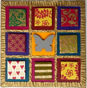 Magnet Kunst Collage 20 x 20 cm mit Malkarton 4 x 4 cm beklebt mit Buntpapier
