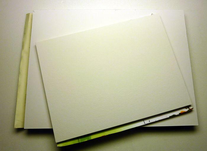 Malblöcke mit Acrylpapier an den Kanten geleimt