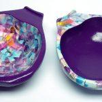 Zwei Holzschalten mit Acrylfarbe und Decopatch