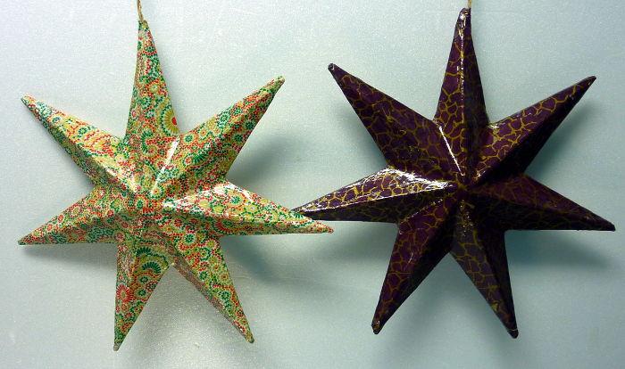Pappmache Sterne mit Decpatch und Lackierung