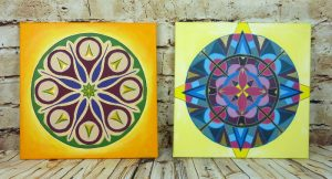 Zwei Mandalas gemalt mit Acrylfarbe auf Leinwand 40 x 40 cm