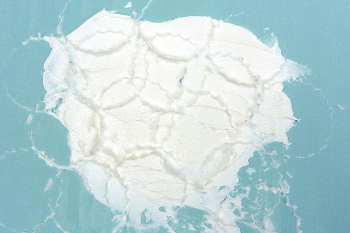 Muster erzeugt in Leichtstrukturpaste mit Kronkorken