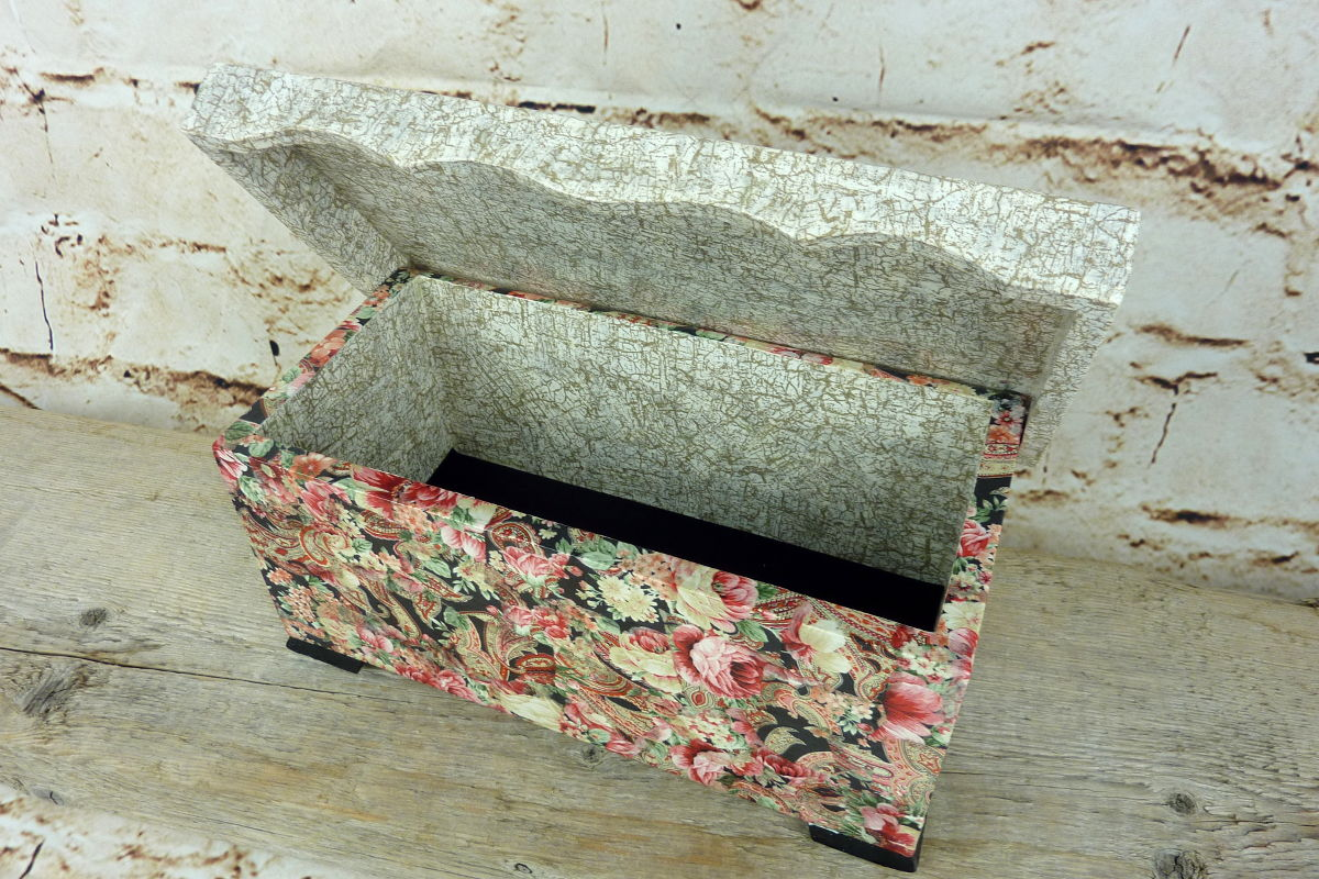 Upcycling Holztuhe mit Décopatch