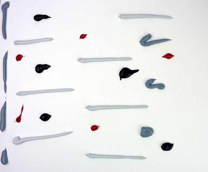 Acrylfarbe auftragen zum Schaben